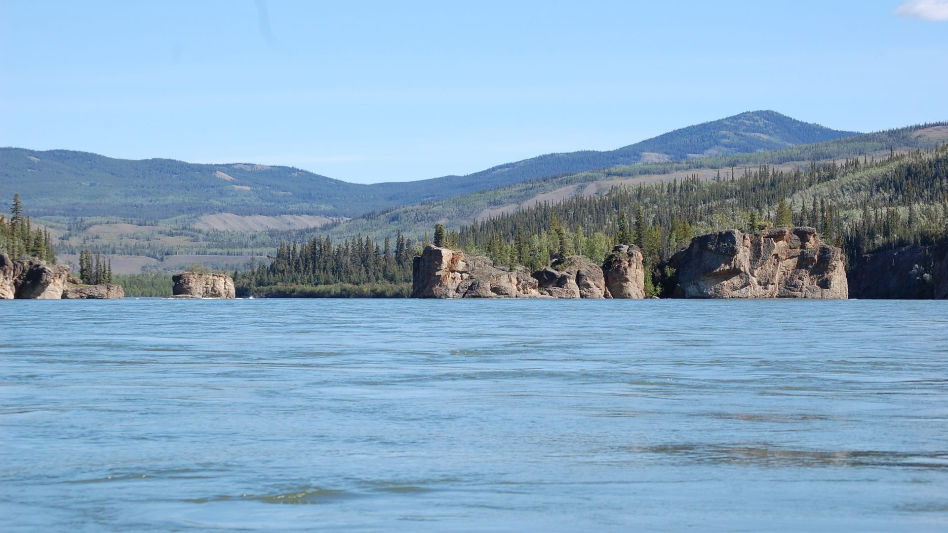 Paddling with the Girls on the Yukon River - Five Finger Rapids 2