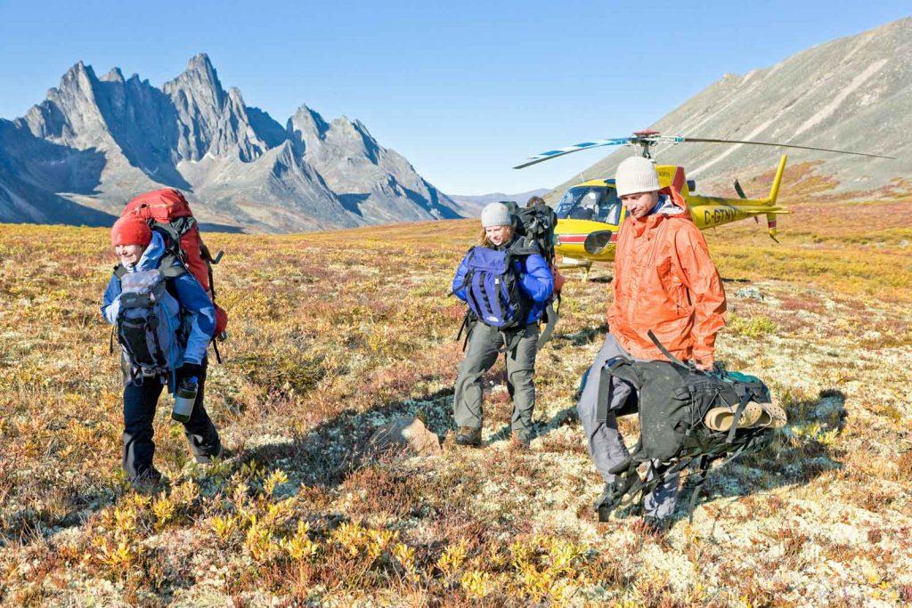Patagonia des Nordens - Trekking Tombstone Mountain