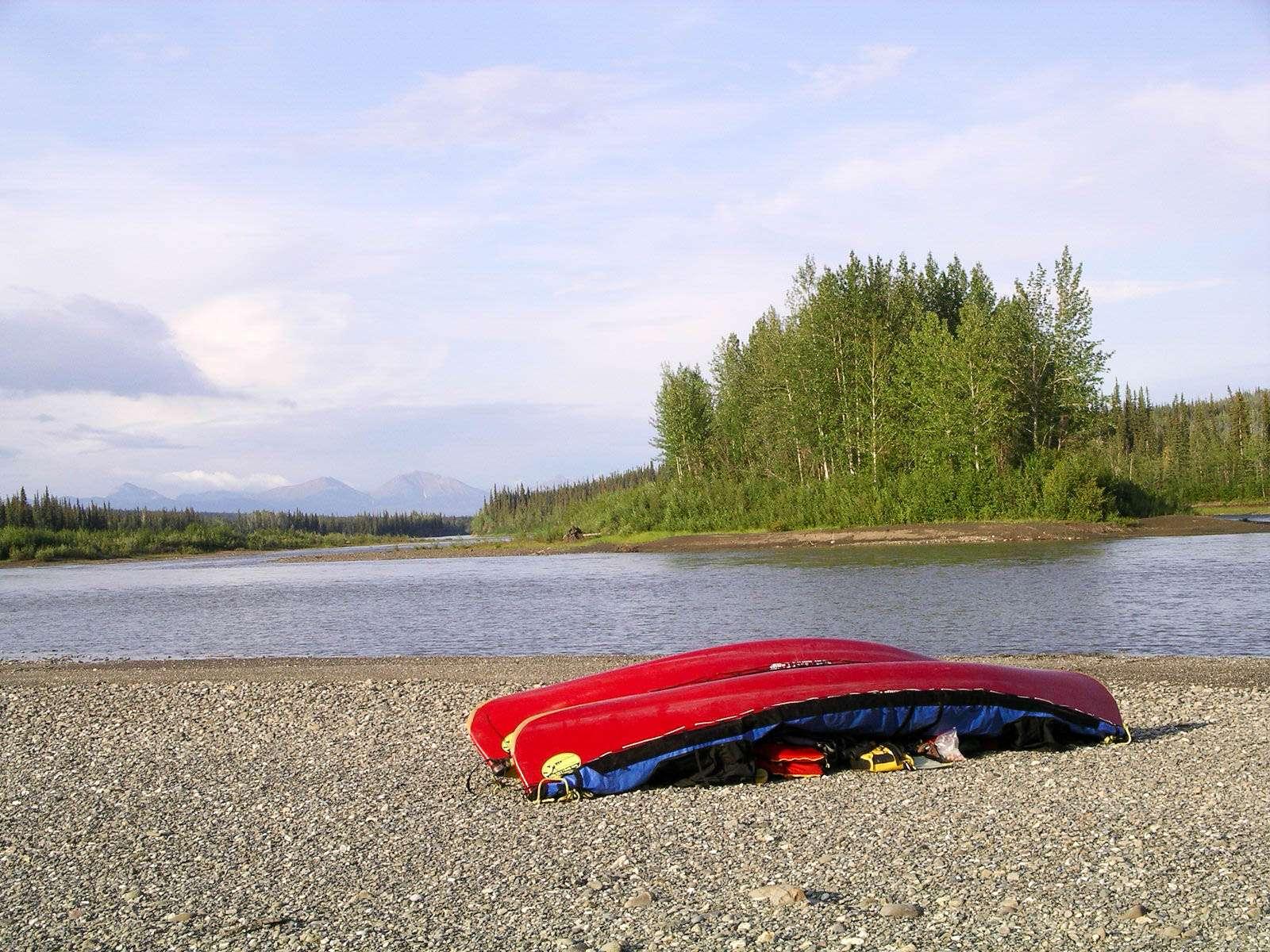 Beaver River: Explore Secret Waterways - Canoes