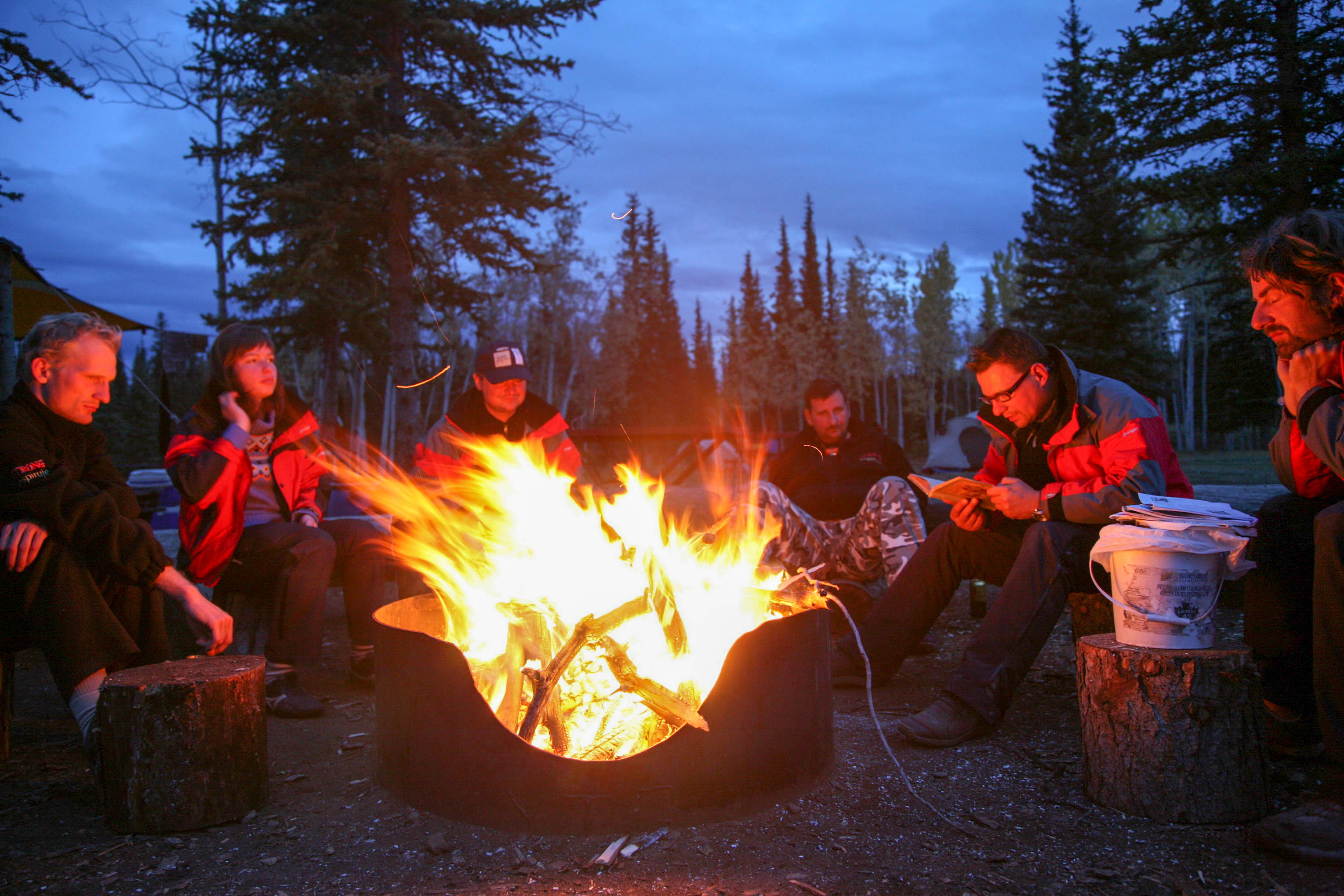Yukon River - The Classic - Lake Laberge to Dawson City - Gemütliches Lagerfeuer