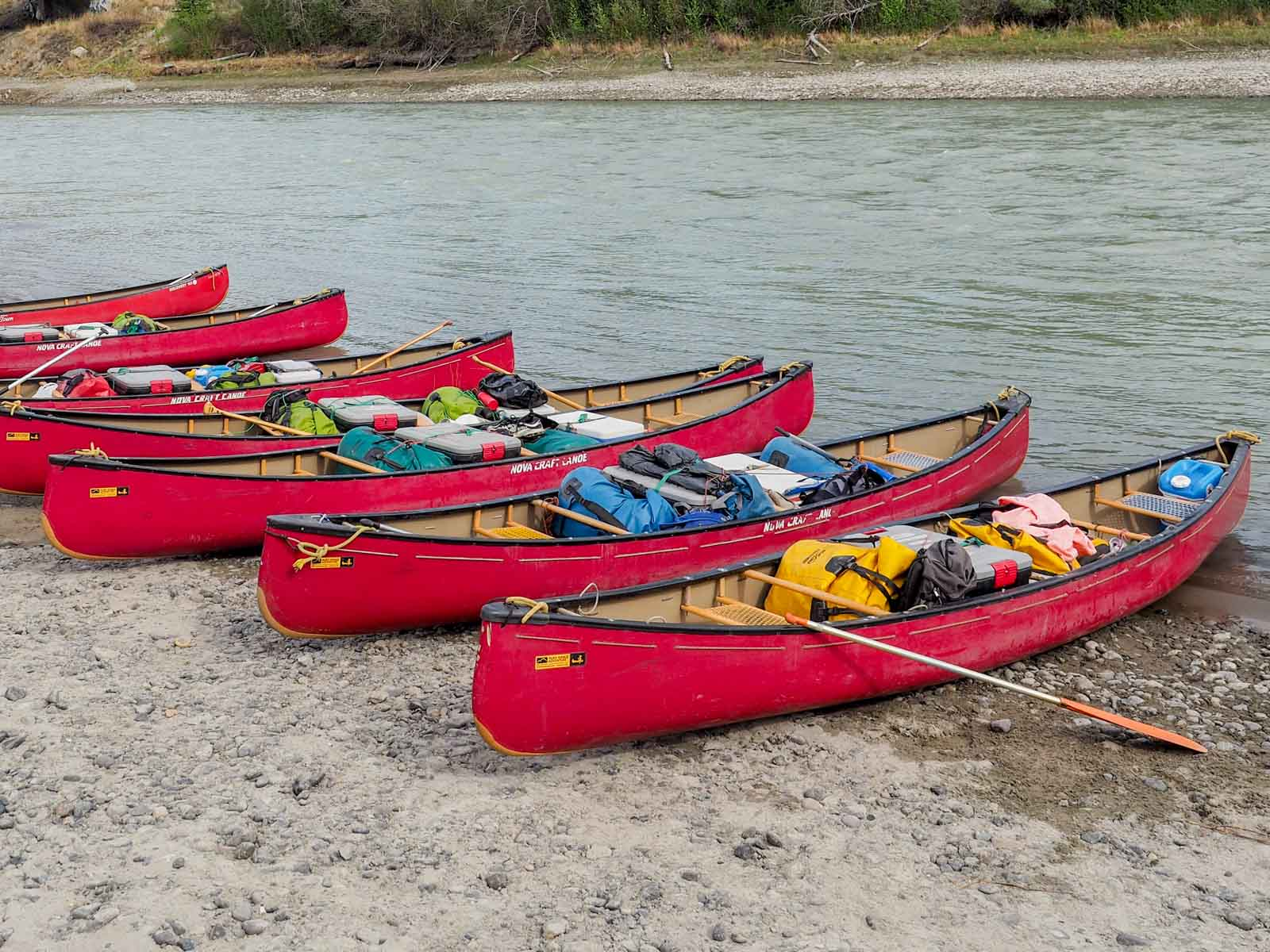 Yukon River Tour - Lake Laberge bis Carmacks - Gepackte Kanus